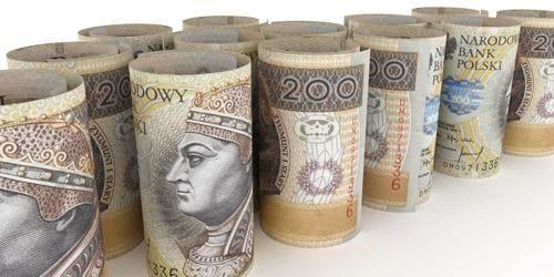 200zł banknoty zawiniete